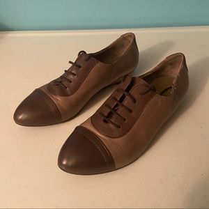 Innue leather shoes